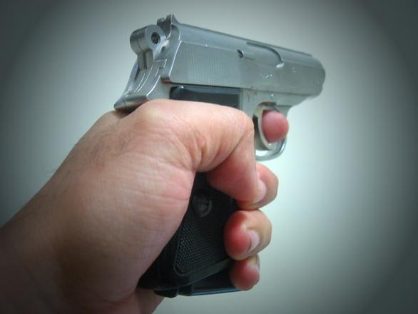 pistol-1519112